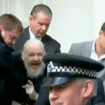 Ντροπή για τη Δικαιοσύνη η βίαιη σύλληψη του Ασάνζ