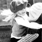 Ασπρόμαυρες φωτογραφίες για τη σχέση της μητέρας με το παιδί της