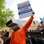 Η έκδοση του Ασάνζ απειλή για τη δημοσιογραφία (vid)