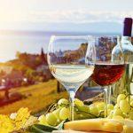 Λευκό ή κόκκινο; Το κρασί που προτιμάτε δείχνει ποιος είστε (vid)