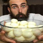 Ινδία: Πέθανε τρώγοντας πενήντα βρασμένα αυγά