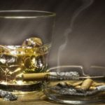 Το καθημερινό κάπνισμα και αλκοόλ γερνούν τον εγκέφαλο (vid)