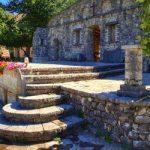 Δολό Πωγωνίου: Μνημείο αρχιτεκτονικής σε μοναδικό φυσικό ανάγλυφο (vid)