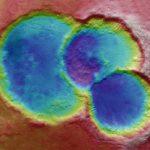 Έναν σπάνιο τριπλό κρατήρα στον Άρη φωτογράφισε το Mars Express (vid)