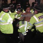 Διαμαρτυρίες σε Λίβερπουλ και Μάντσεστερ για το lockdown λόγω Covid-19