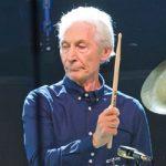 Πέθανε ο ντράμερ των Rolling Stones, Τσάρλι Γουάτς, σε ηλικία 80 ετών (vid)