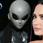Η Ντέμι Λοβάτο οικοδέσποινα σε μια νέα τηλεοπτική σειρά για τα UFO (vid)